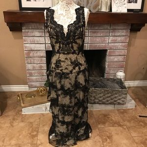 New Alice  + Olivia black lace gown sz 12